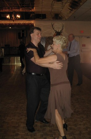 Trav & Bonnie Dancing
